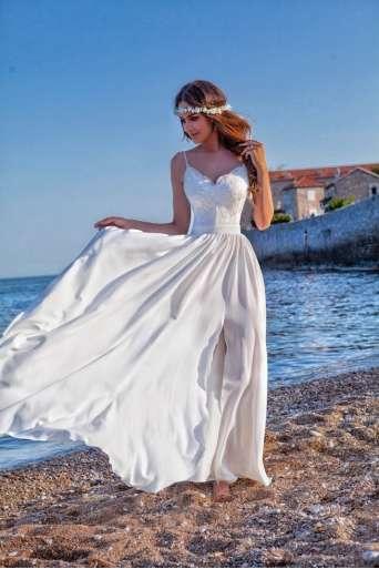 Sukienka  EMO BELLA biała